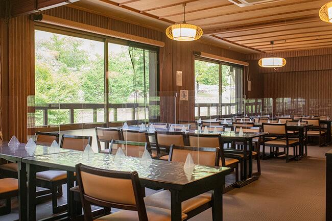 春日野2階食事場所